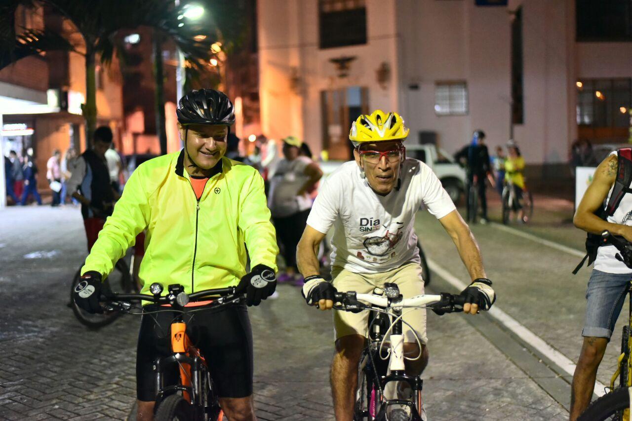 Ibagué celebra el Día mundial de la bicicleta con feria y paseo nocturno