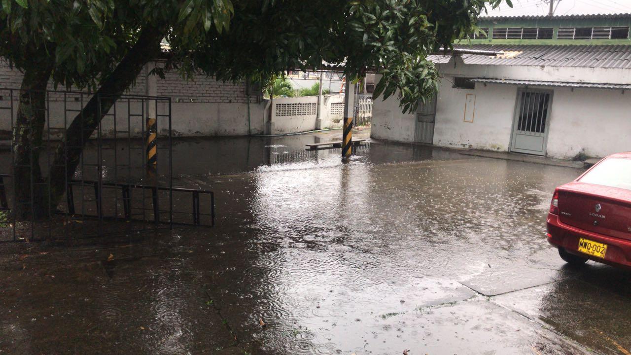 Entidades de socorro atienden afectaciones por lluvias en siete zonas de Ibagué