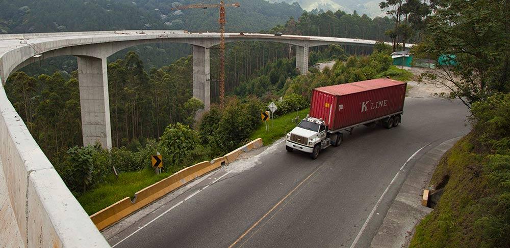 Extienden el cierre nocturno de la vía entre Cajamarca y Calarcá hasta el 28 de agosto