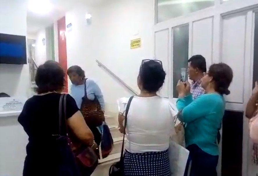 Maestros protestaron por inconformidades con el servicio de salud en Ibagué