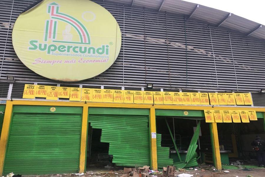 Empleados de 'supermercados Supercundi' en el Tolima en crisis por limbo jurídico
