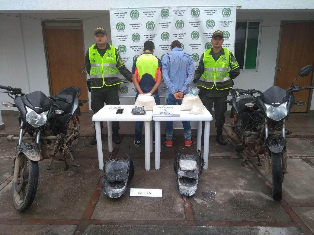 Transportaban cocaína en el tanque y las farolas de dos motocicletas en Natagaima