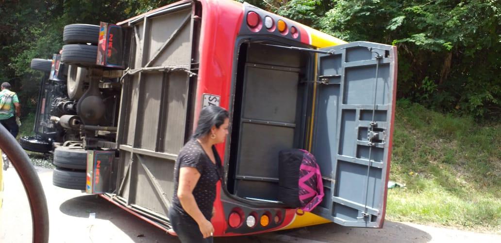 Carrera por pasajeros produjo tragedia vial de un bus de Rápido Tolima cerca a Venadillo