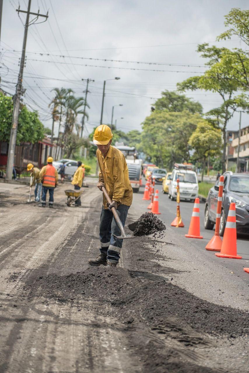 Continúan labores de rehabilitación en la avenida Ambalá