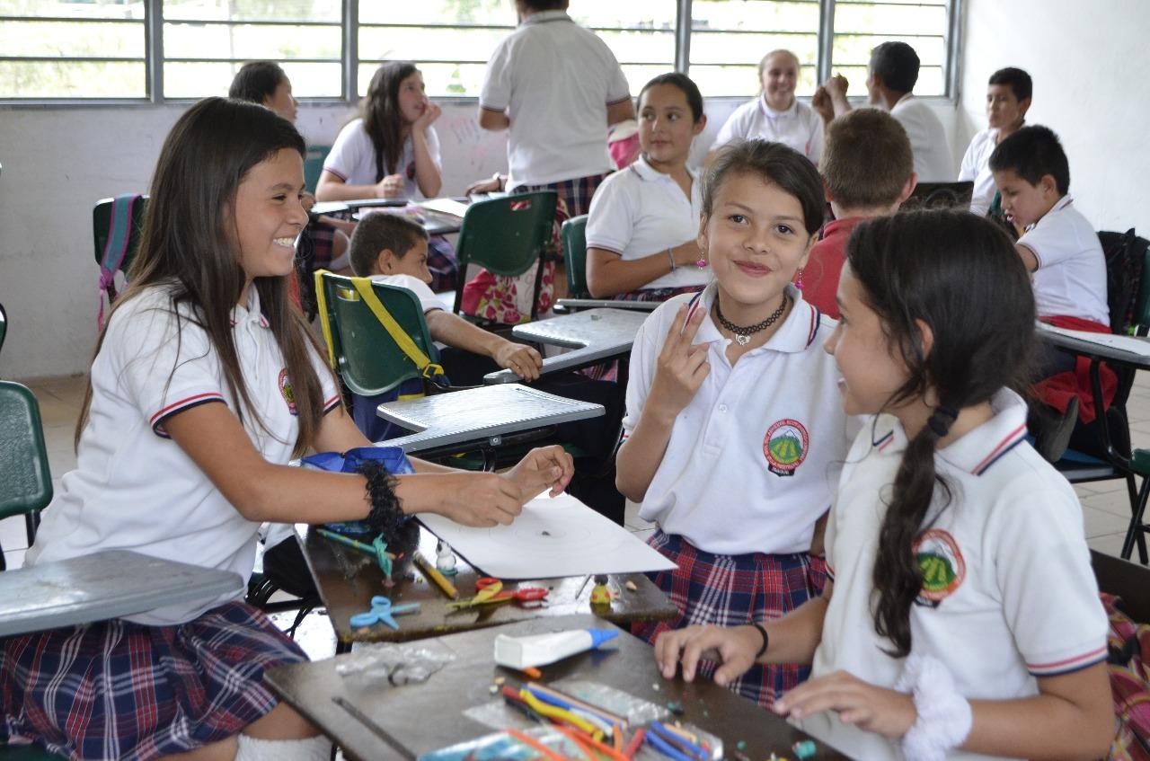 Estudiantes de colegios oficiales regresarán a clases el próximo 21 de enero de 2019