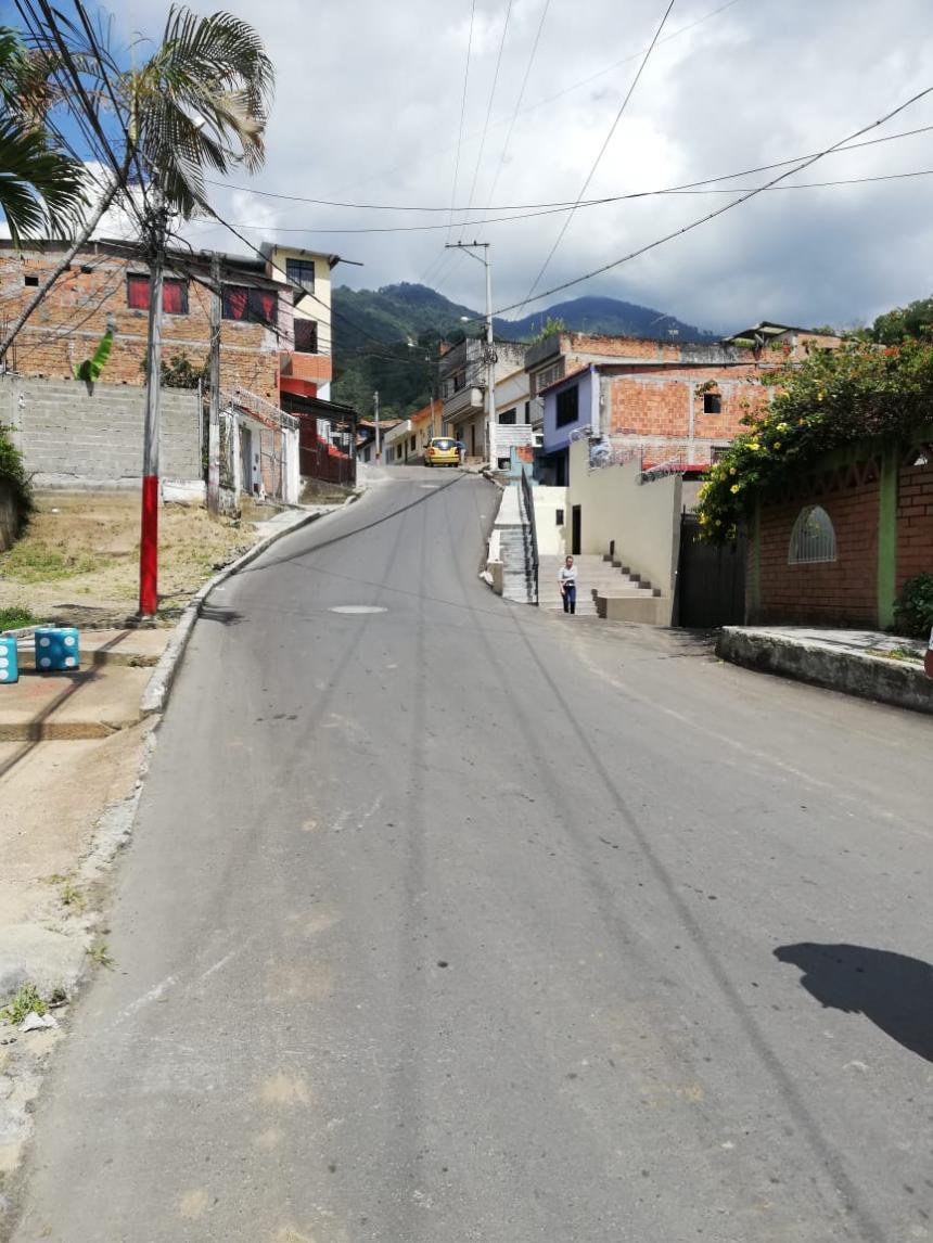Alcaldía entregó vía de 682 metros cuadrados en el barrio Belencito