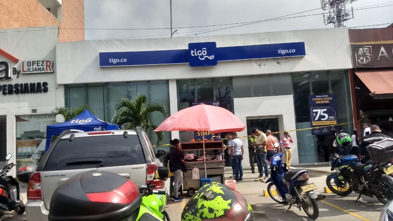 Millonario hurto en el local comercial de Tigo en la Quinta entre 37 y 38