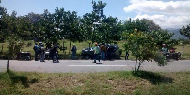 Patrullero de la Policía falleció tras chocar contra un árbol en la Variante de Chicoral