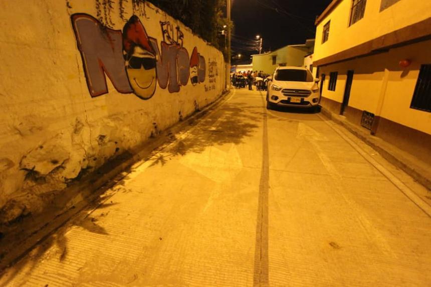Pavimentan vía de 972 metros cuadrados en el barrio Independiente