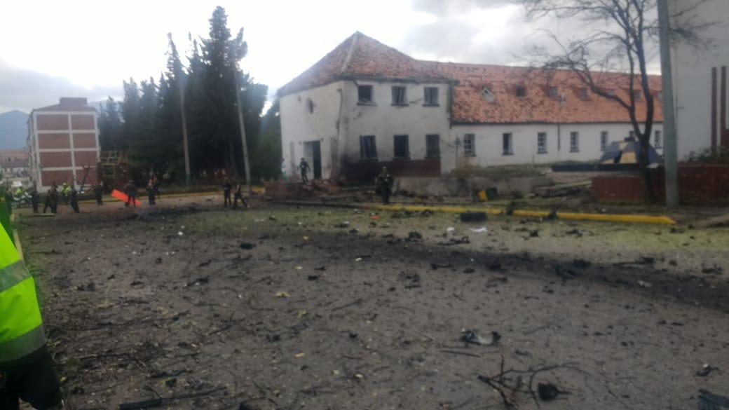 Aumenta a ocho muertos y 41 heridos por explosión de carro bomba en la Escuela de Policías General Santander en Bogotá