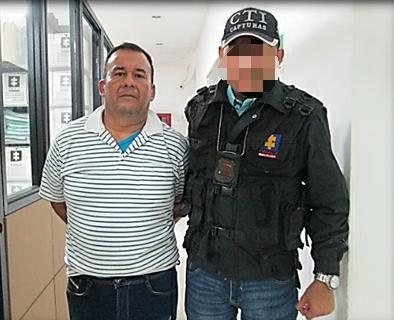 Capturado conductor de bus condenado a 6 años de prisión por golpear a su esposa