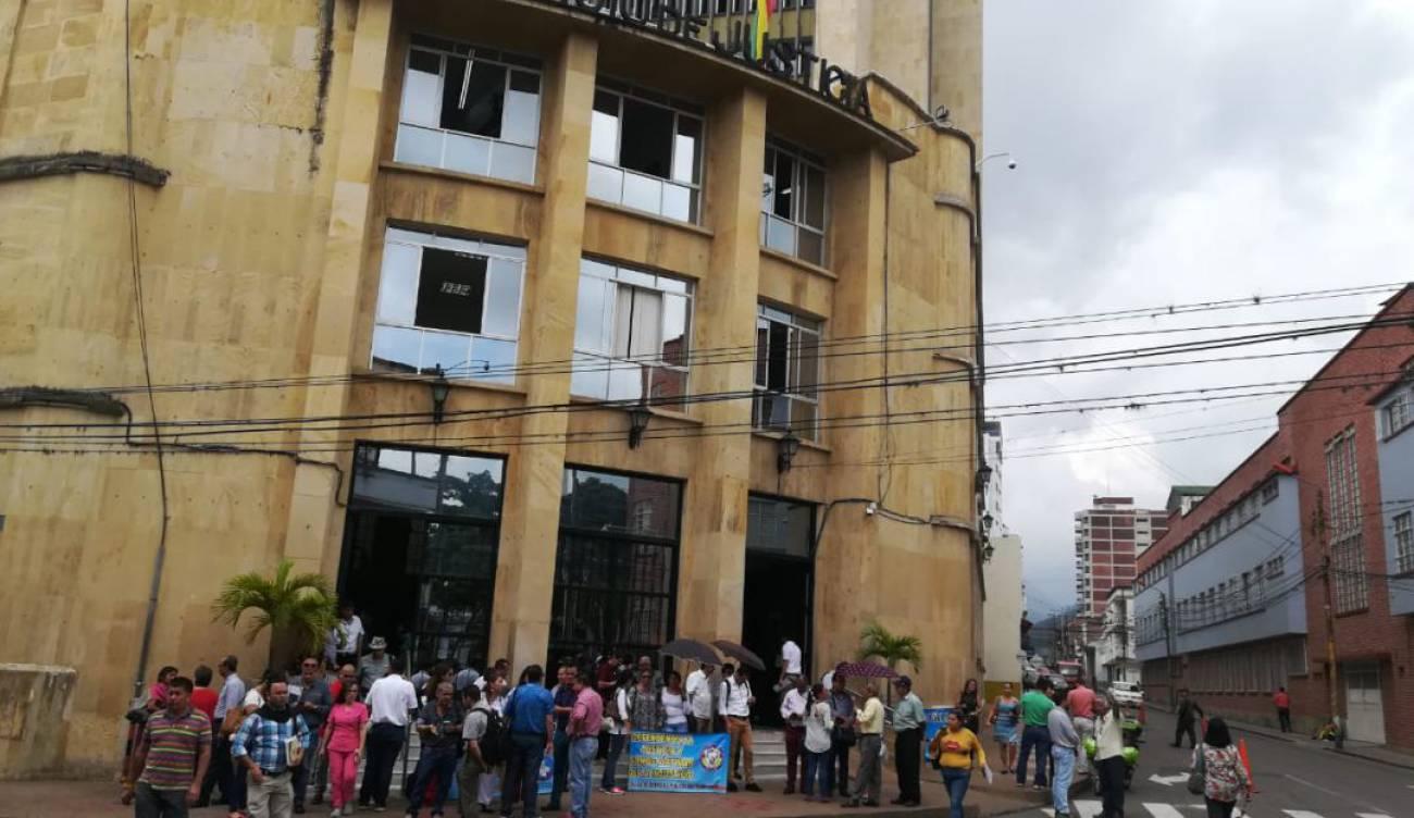 Defensores públicos protestaron por concurso obligatorio nacional
