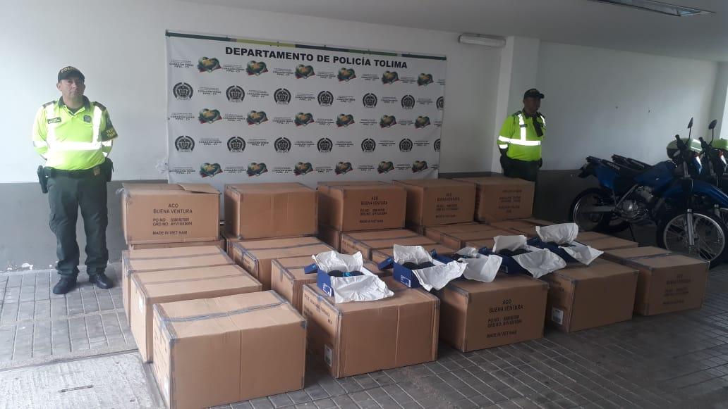 Incautaron 300 pares de zapatillas de contrabando en la vía entre Melgar y Girardot