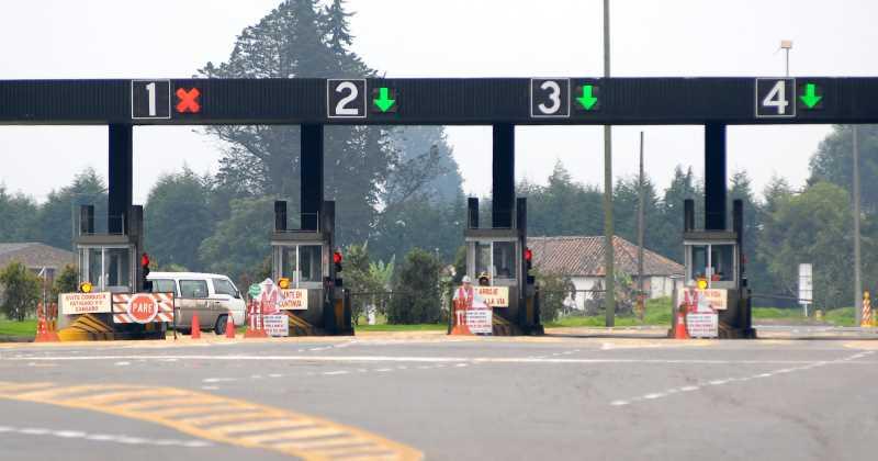 Avanza ley que baja costo de peajes en caso de cierres viales