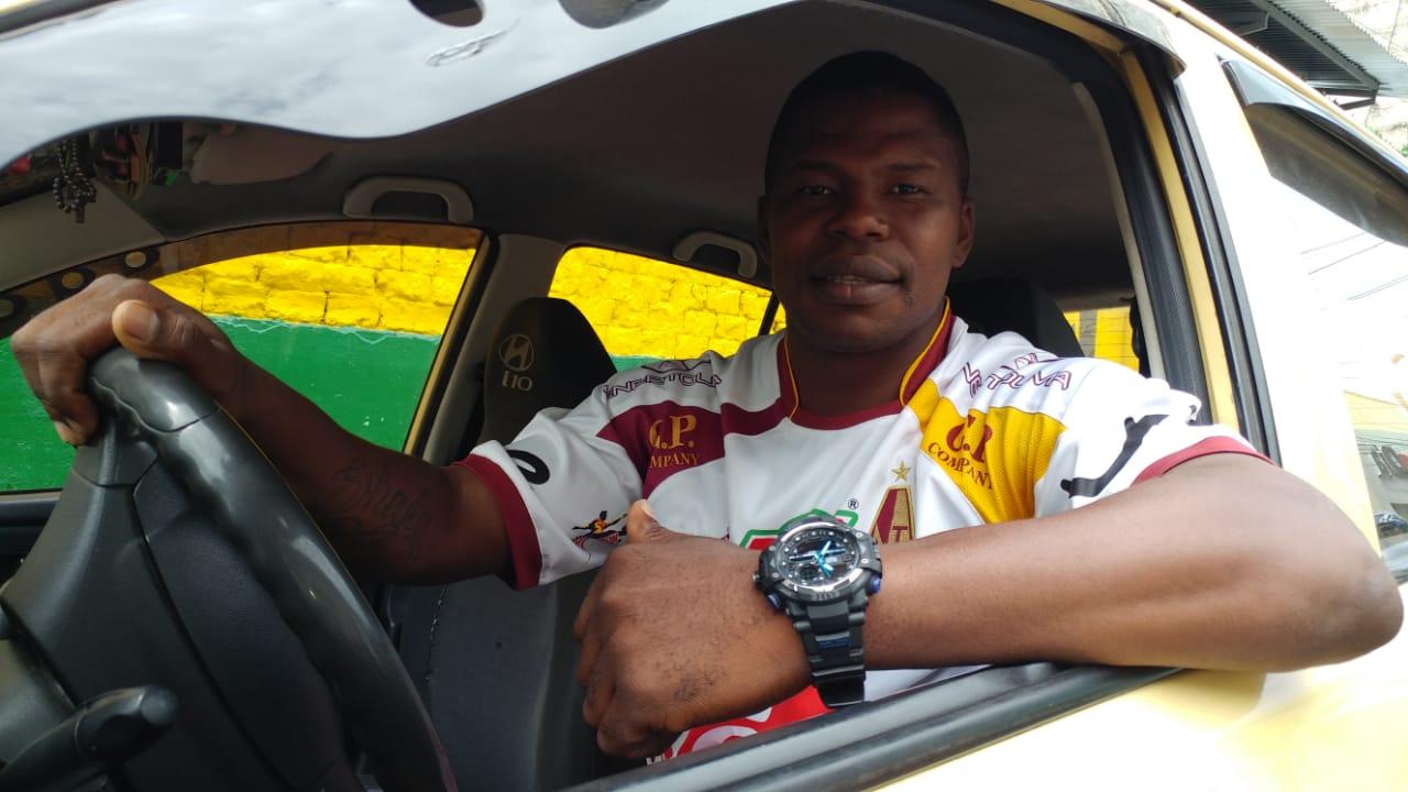 Yesid Martínez, del glorioso Deportes Tolima a la orgullosa labor de ser taxista en Ibagué