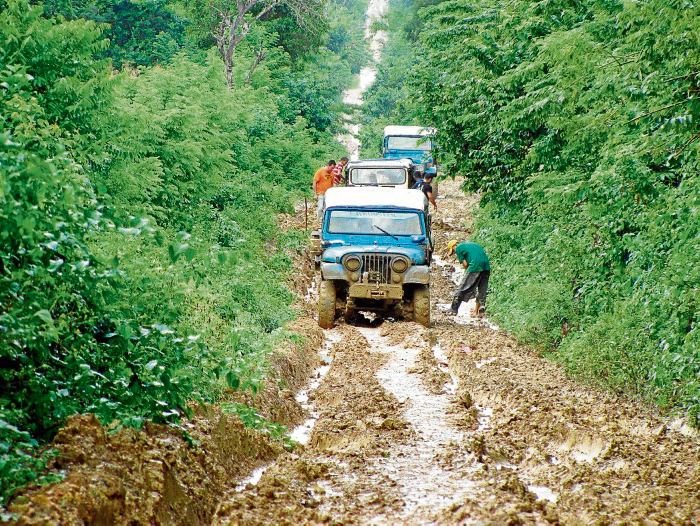 Atención alcaldes: Invías socializa programa 'Colombia Rural', para mejorar vías terciarias