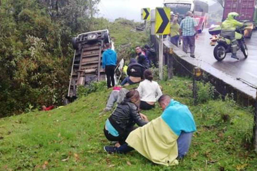 Aumentó a cuatro el número de fallecido en el accidente de turistas ibaguereños bajando a Calarcá, Quindío