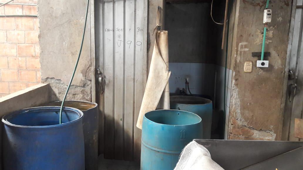 Sellan bodegas que incumplían condiciones sanitarias y no tenían documentación legal