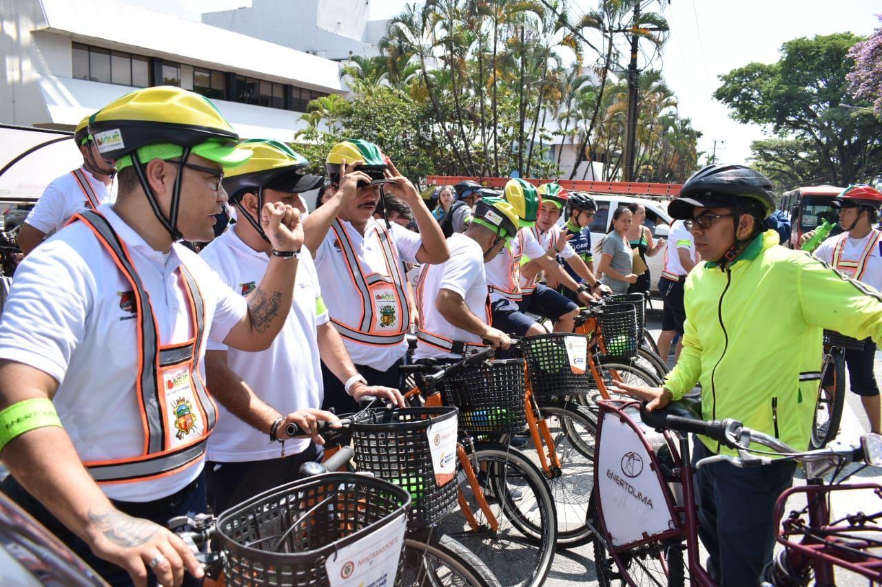 Conductores de buseta se convirtieron en bici-usuarios por un día