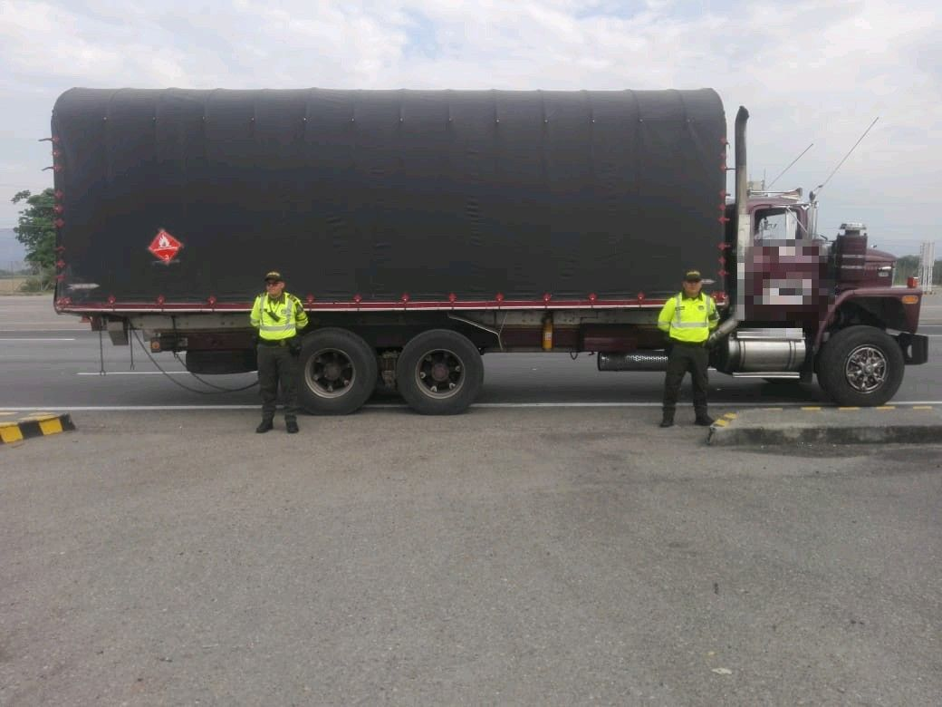 Policía recuperó camión robado, avaluado en $120 millones