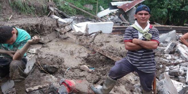 Emergencia en Líbano, Tolima: 9 derrumbes dejaron una menor herida