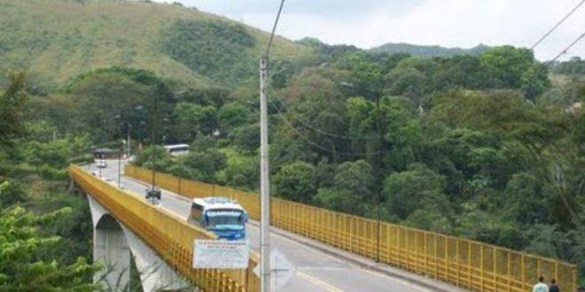 Intento de suicidio frustrado por conductor y policías