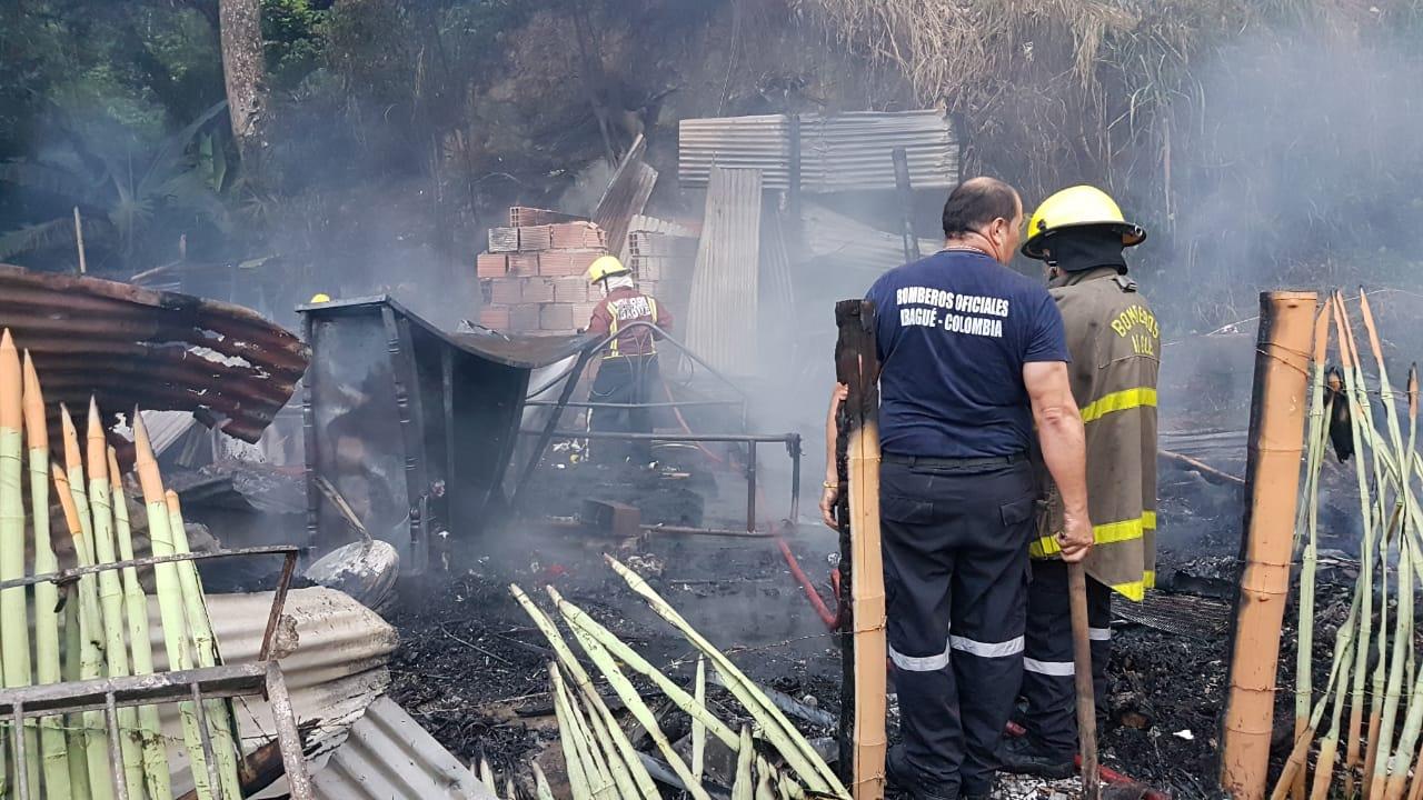 Vivienda fue destruida por incendio en el barrio Martinica