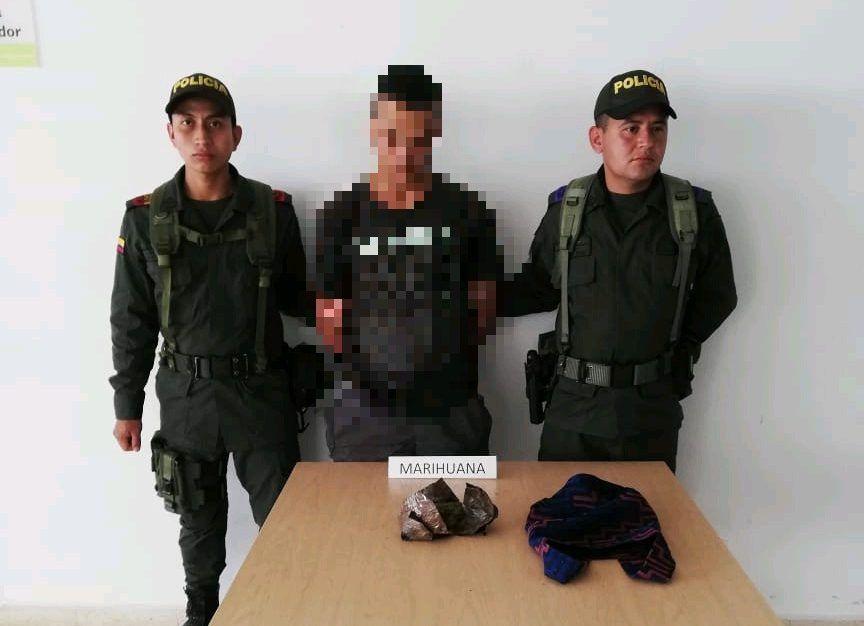 Capturado mientras portaba 250 dosis de marihuana