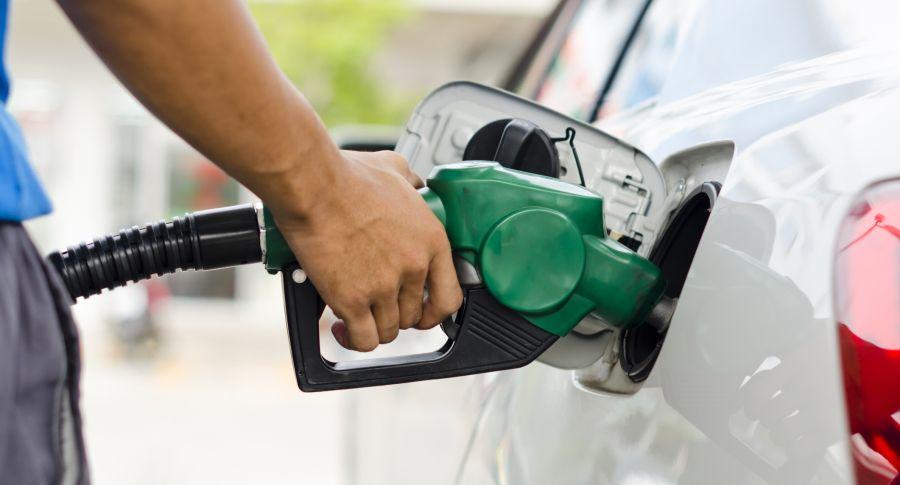Cámara de Representantes aprueba proyecto que regula sobretasa a gasolina