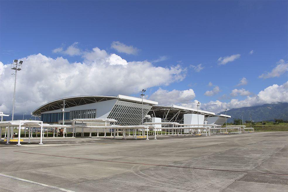 Mejorar infraestructura para un aeropuerto sin movimiento de pasajeros y con una pista antigua