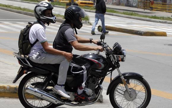 ¿Prohibir el parrillero? ¿Y si mejor se hace obligatorio el GPS para motos?