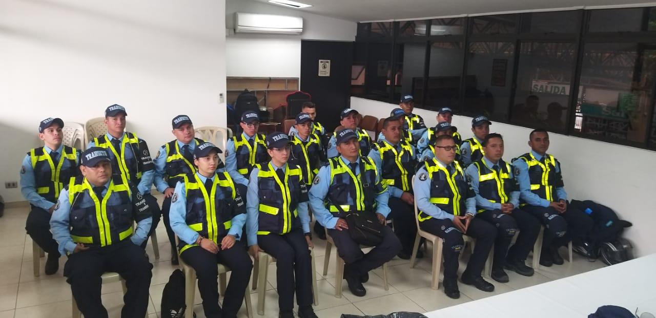 Cincuenta policías de tránsito reforzarán dispositivos de movilidad durante las fiestas