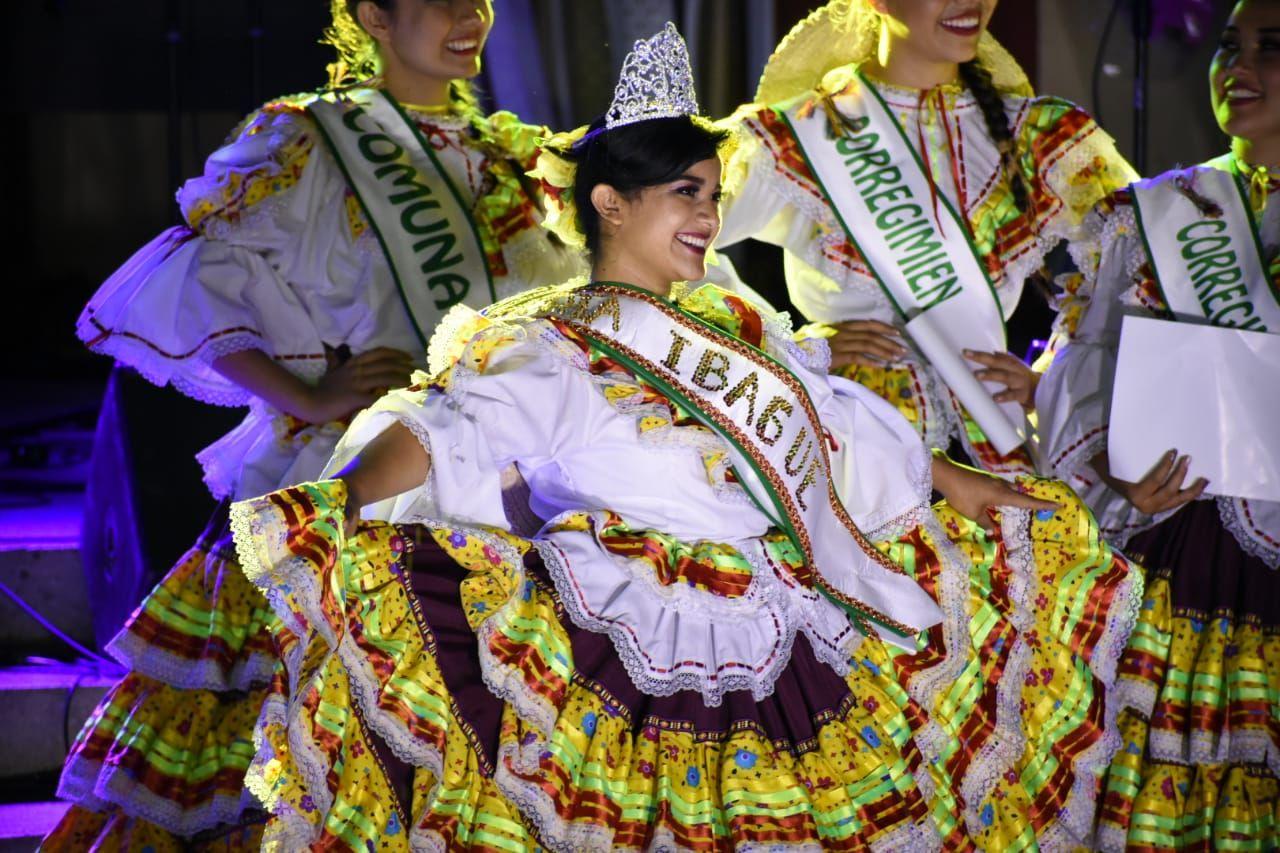 Representante de la comuna 12 es la nueva reina municipal del folclor