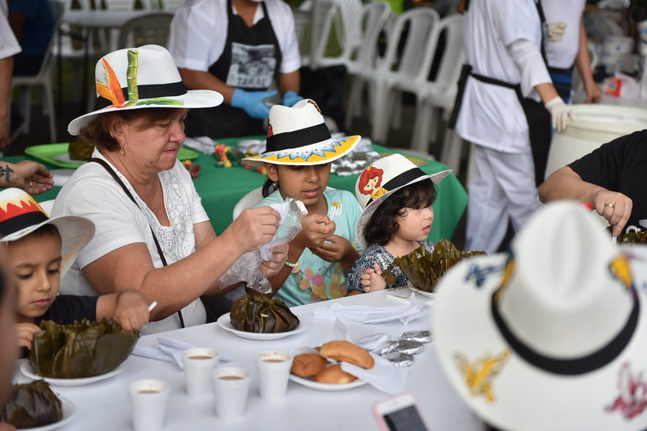 Más de 22.300 tamales se vendieron en los bajos del Centenario