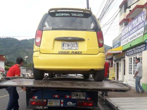 Inmovilizan taxis por no tener revisión técnico-mecánica