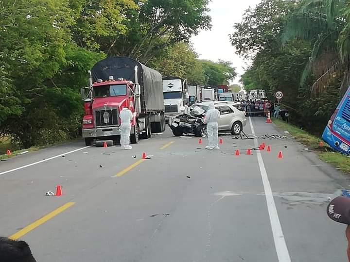 A cuatro subió la cifra de fallecidos en siniestro vial de bus y camioneta entre Castilla y Saldaña