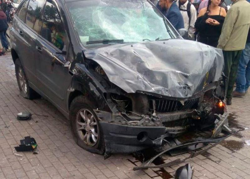 Camioneta embistió a varios transeúntes en el norte de Bogotá: Dos muertos y seis heridos