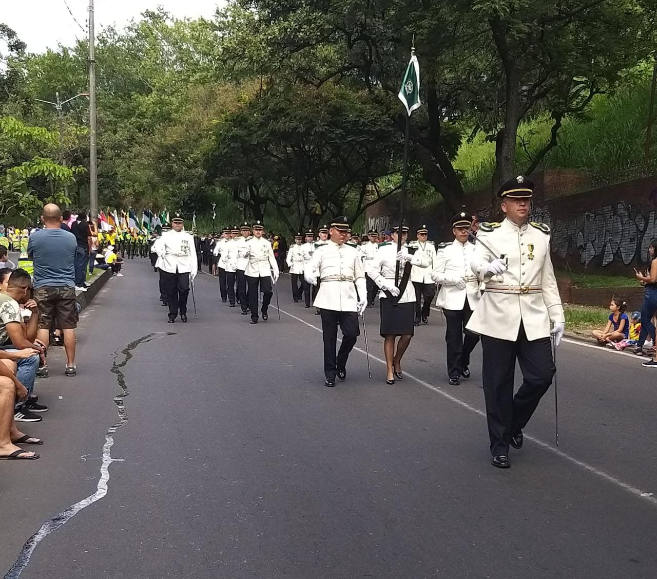 Fotos: Desfile militar del 20 de Julio cumplió con éxito su nuevo recorrido en Ibagué