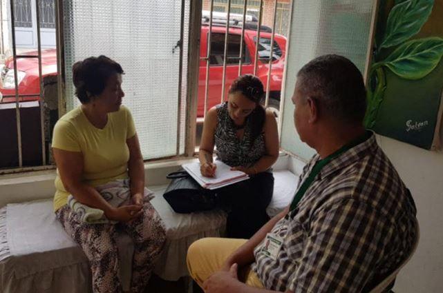 Familiares de fallecidos en accidentes de tránsito reciben apoyo psicológico y jurídico