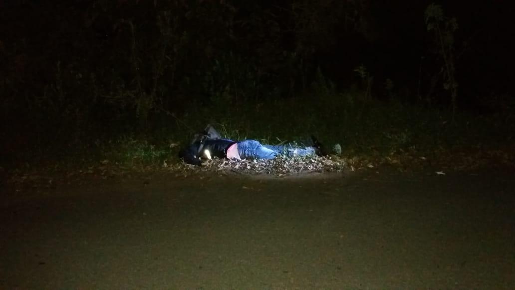 Manejaba la moto alicorado y encontró la muerte en la oscuridad