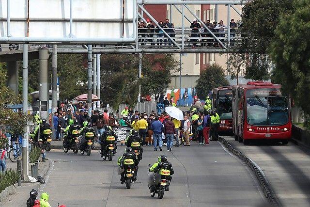 Así avanza la protesta y el paro de taxistas en Bogotá
