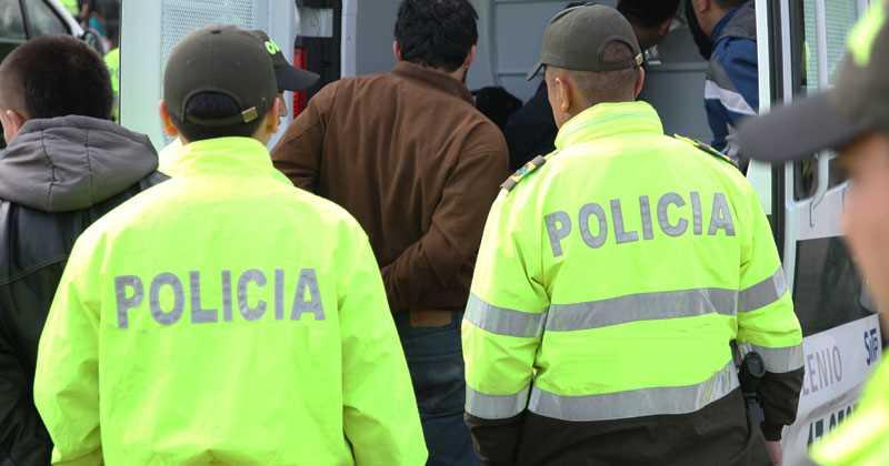 Policías activos hacían parte de banda de atracadores en Transmilenio