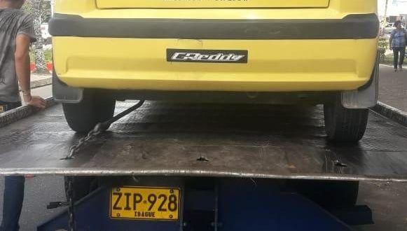 Taxi fue inmovilizado por prestar servicio ilegal a través de plataforma tecnológica