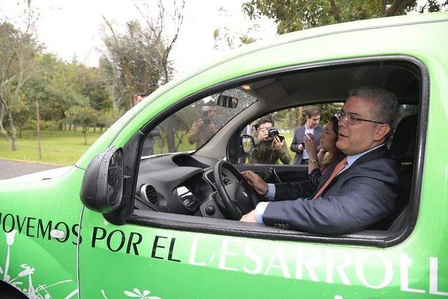 Vehículos eléctricos estarán exentos se restricciones de 'pico y placa'