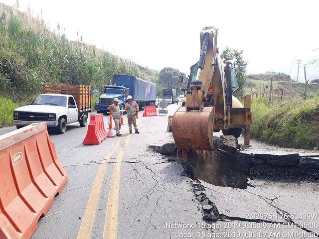 Habilitado paso por la vía Panamericana tras explosión en una alcantarilla