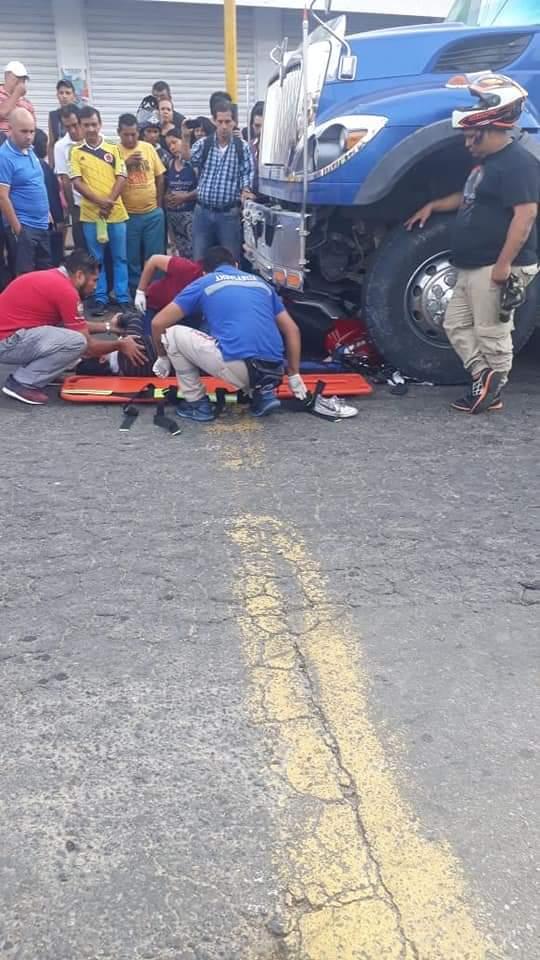 Pasó de ser taxista a salvar vidas en una ambulancia