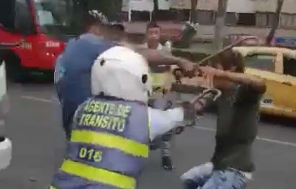 Agentes de tránsito y auxiliar de grúa fueron agredidos con arma blanca en Los Arrayanes