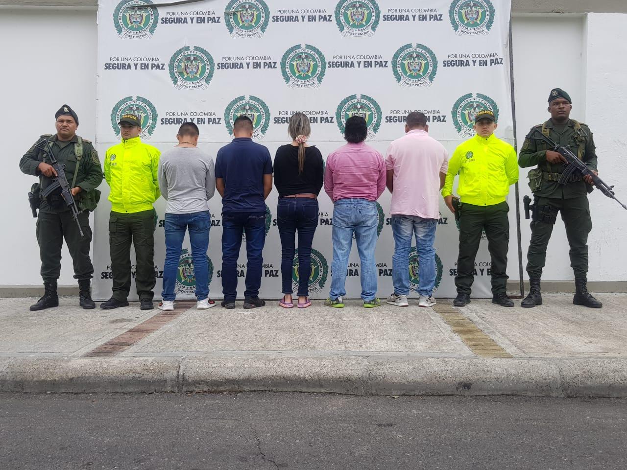 Acusados de 'piratear' combustible y comercializarlo en planta en Lérida