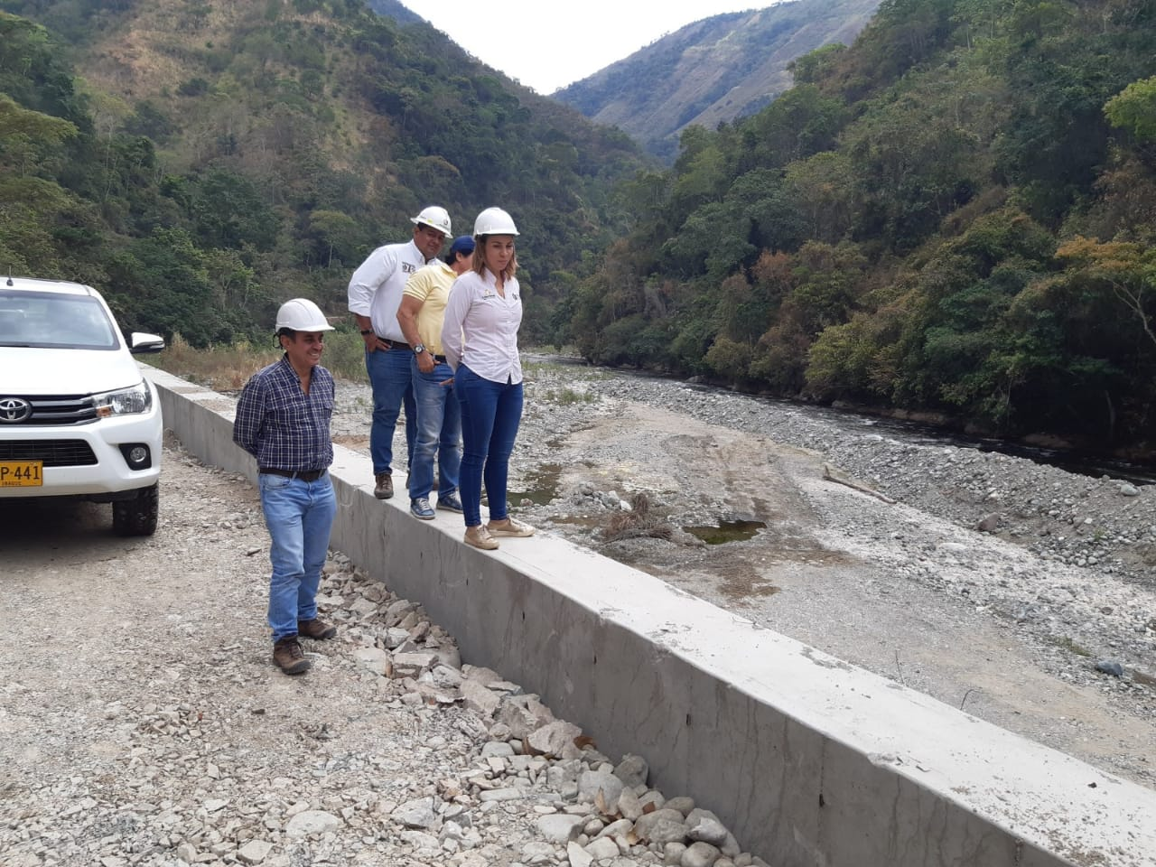 Obras de protección en la vía Rovira - Playarrica están próximas a ser entregadas