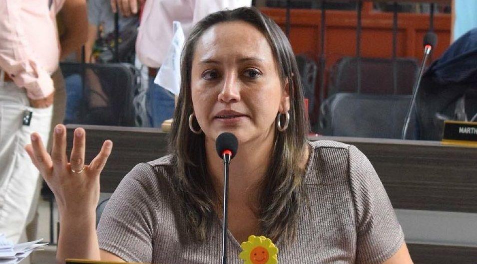 Fiscalía imputó cargos a concejal Linda Perdomo por elección irregular de Contralor